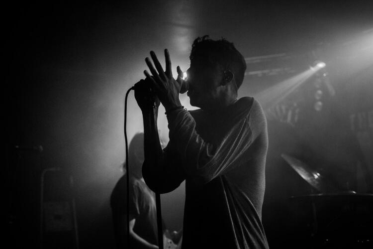 Dead_live_the_asylum_4-750x500.jpg