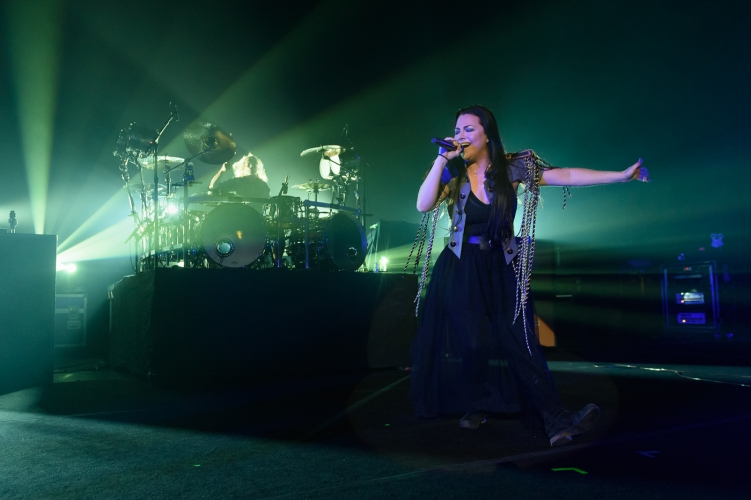 Evanescence-Hammersmith-140617-010-751x500.jpg