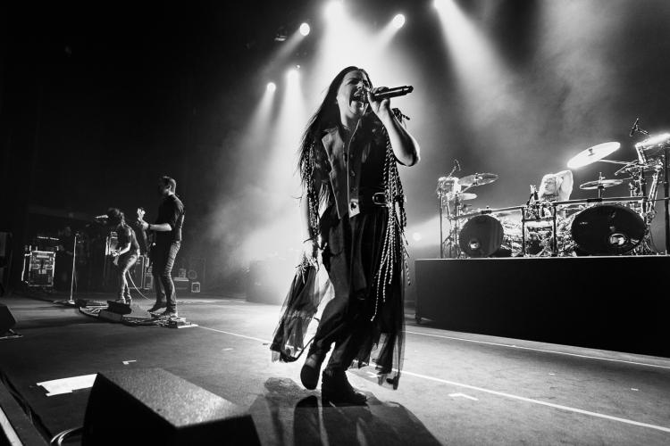 Evanescence-Hammersmith-140617-013-750x500.jpg