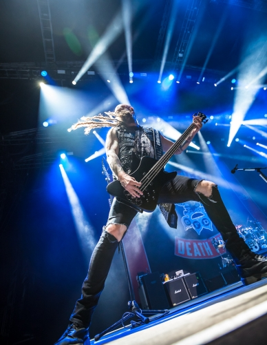 five-finge-death-punch-copenhell-2017-4148-388x500.jpg