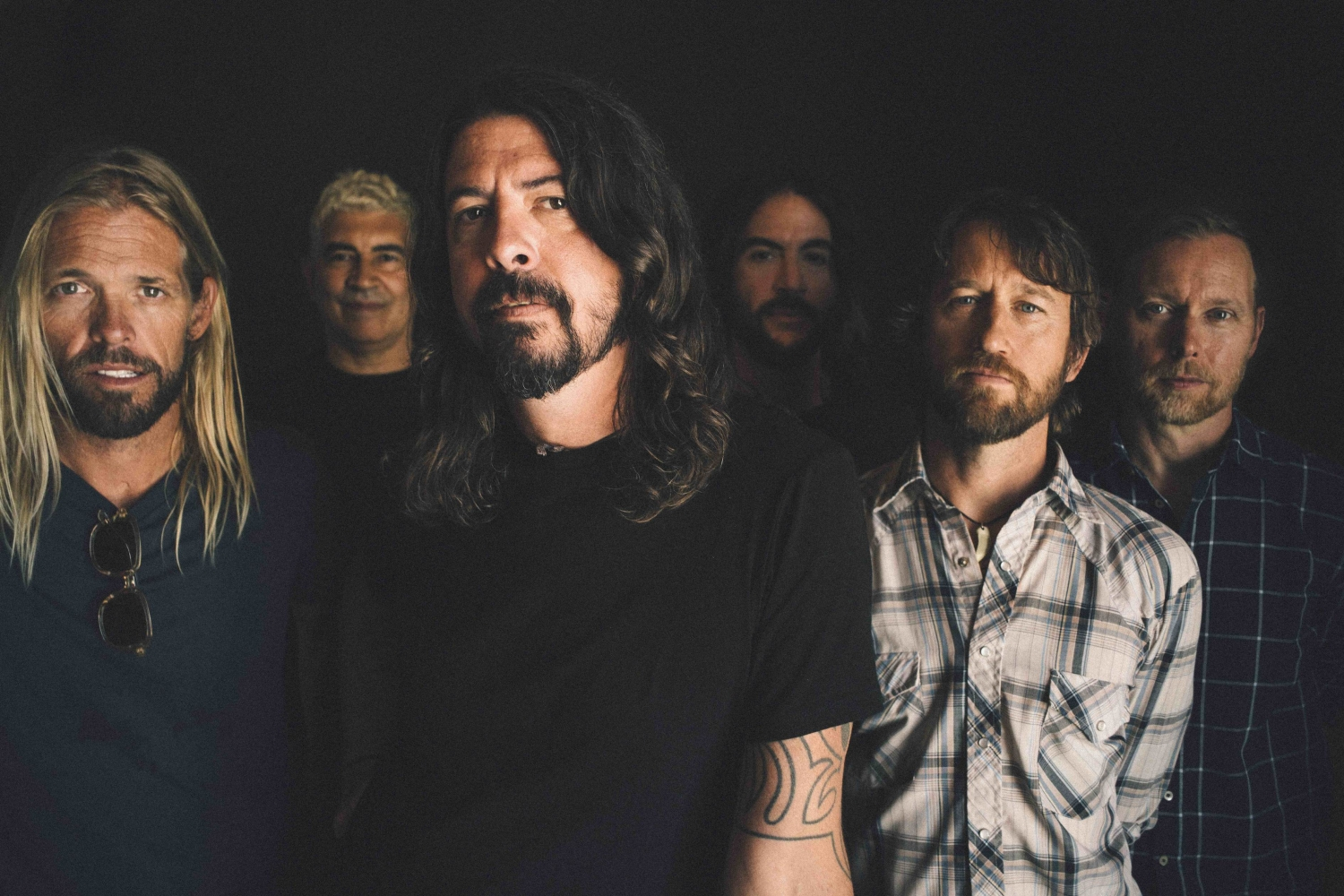 Foo Fighters Announce 3 Huge Uk Shows Flick Of The Finger