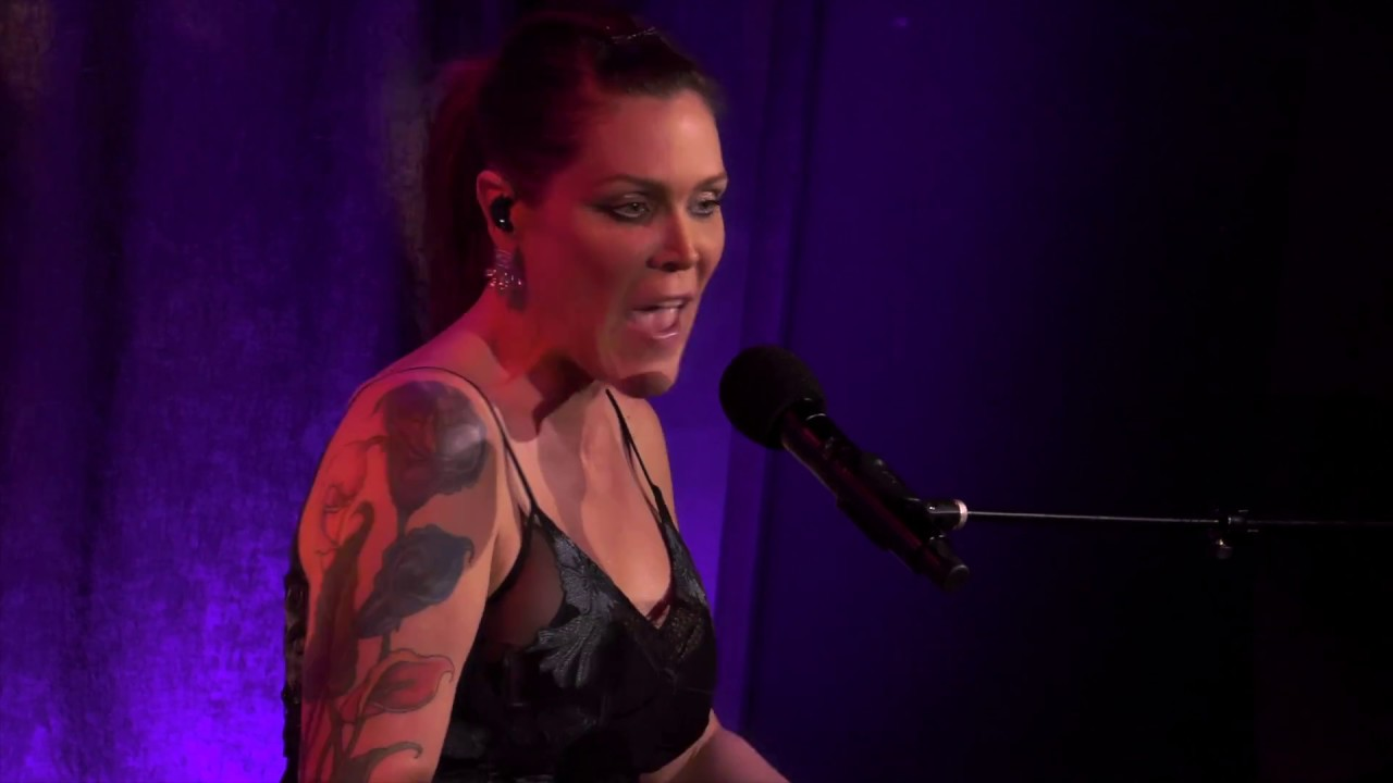 beth hart front and center live from new york flick of the finger. Black Bedroom Furniture Sets. Home Design Ideas